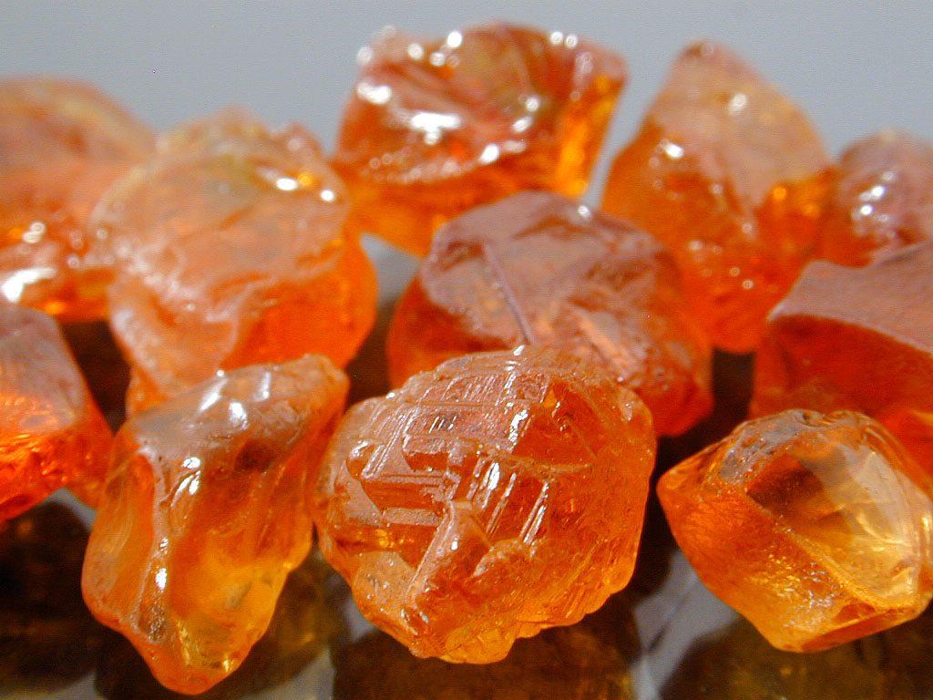 Оранжевый камень фото