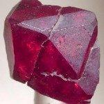Cuprite rouge carmin