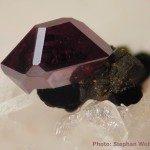 Cuprite rouge brun